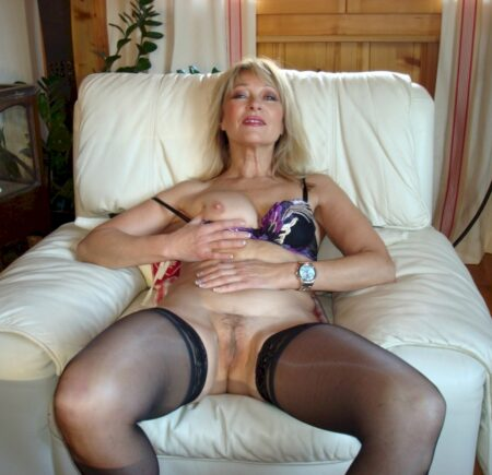 Adopte une cougar coquine sexy
