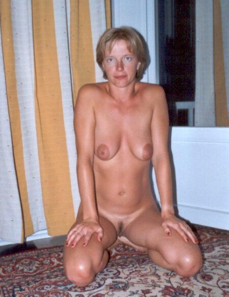 Femme infidèle sexy cherche un coquin sur le 35