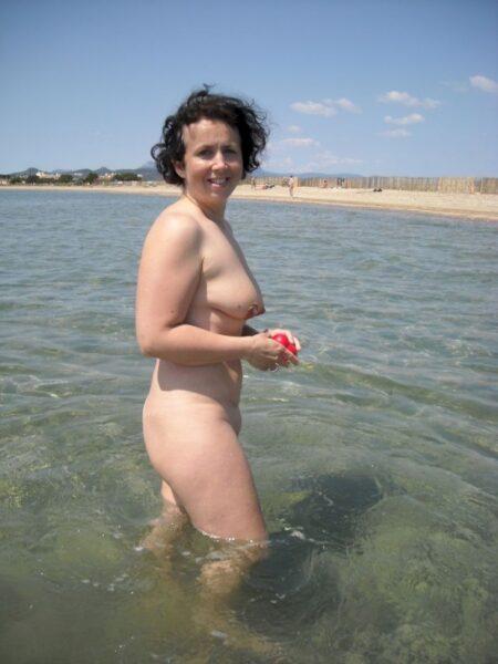 Une femme infidèle sexy sur le Bas-Rhin qui s'ennuie
